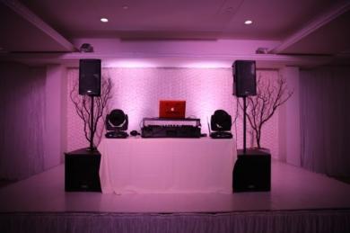 DJ-Entertainment-Tempoe-Entertainment-DJ-Table