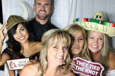 Photo-Booth-Tempoe-Entertainment-Tied-Knot
